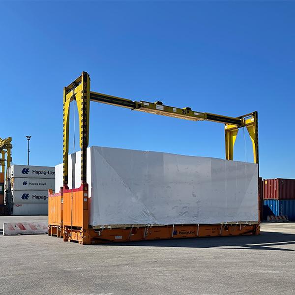 container carico eccezionale al terminal di Venezia